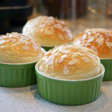 杏仁脆底面包