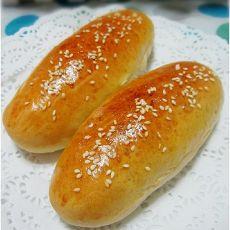 茶粉香肠面包的做法