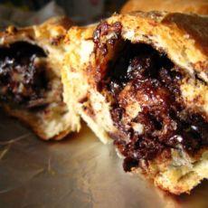 中吃不中看的半融巧克力面包卷