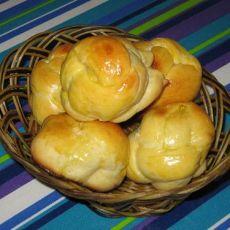 牛奶花朵面包