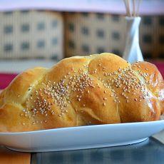 肉松辫子面包