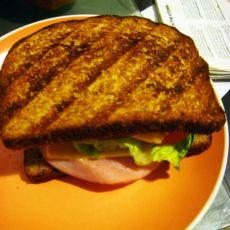 经典烤盘三明治