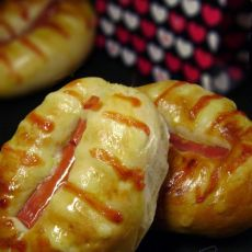 沙拉火腿面包