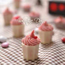 草莓烛台巧克力