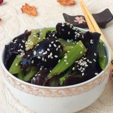 黑木耳拌芹菜的做法