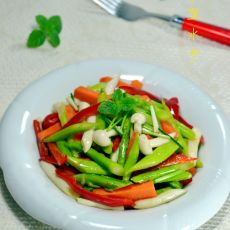 芦笋拌时蔬的做法