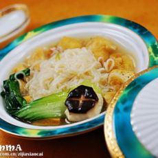 海鲜汁米粉豆泡丁菜羹的做法