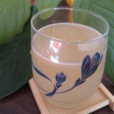 鲜榨柚子雪梨原汁