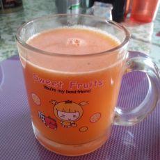 菠萝雪梨胡萝卜汁