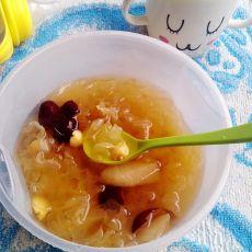 红枣莲子银耳汤的做法