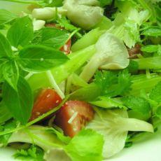 蘑菇西芹沙拉
