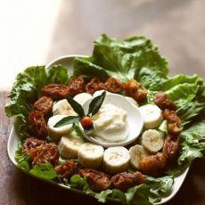 肉糜油条蔬果沙拉的做法