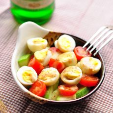 西葫芦鹌鹑蛋番茄沙拉