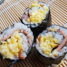 鸡蛋火腿寿司卷