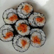 沙拉肉松寿司