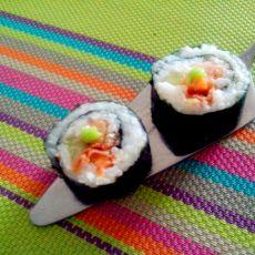 辣白菜寿司的做法