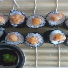 海螺肉寿司卷