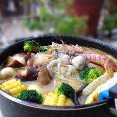 黄金海鲜火锅的做法