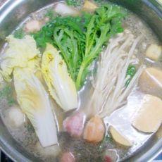 猪骨汤火锅的做法