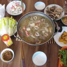 猪骨酸菜火锅的做法