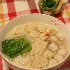 肉片双丸粿条汤的做法