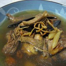 虫草灵芝老鸭汤
