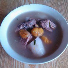 排骨板栗山药汤的做法