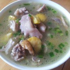 板栗猪肚鸡汤的做法
