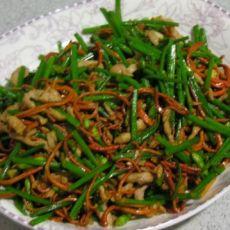 肉丝虫草花烩韭苔