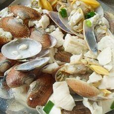 鲜美蛤蜊煮豆腐