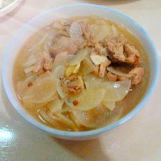 柴鸡炖白萝卜