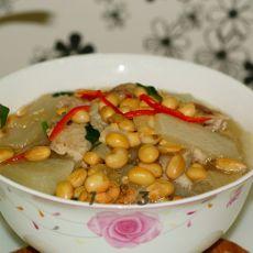 黄豆煲萝卜瘦肉汤