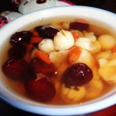 红枣莲子枸杞茶