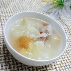 雪梨银耳百合瘦肉汤