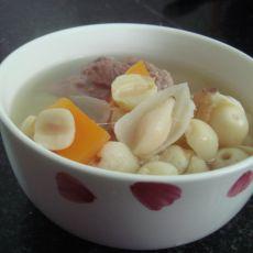 雪梨百合莲子骨头汤的做法