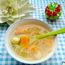 红薯莲子银耳汤