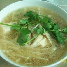 金针菇豆腐肉片汤的做法