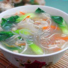 金针粉丝青菜汤的做法
