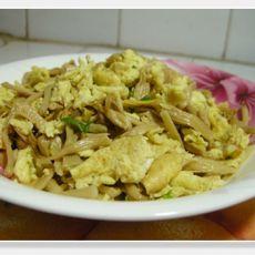 黄花菜炒鸡蛋的做法