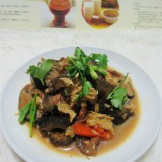 腐皮香菇焖海参