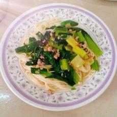 芹香韭菜拌面