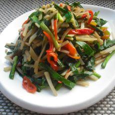 素炒韭菜红椒土豆丝的做法
