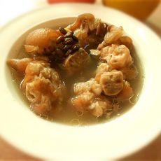 黑豆猪脚汤的做法
