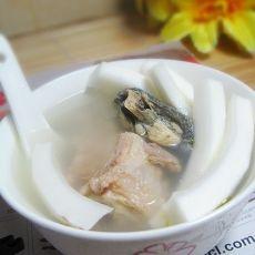 椰子炖乌鸡汤的做法