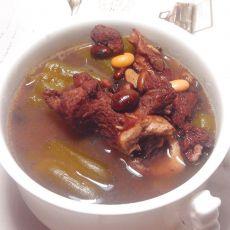 黑豆凉瓜大骨汤的做法