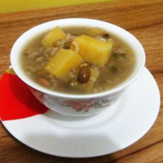 红薯绿豆粥的做法
