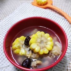 胡萝卜玉米红枣鸡汤