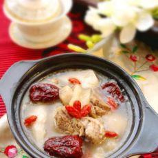 山药红枣牛腩煲的做法