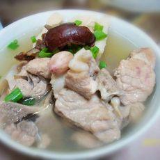 莲藕龙骨汤的做法