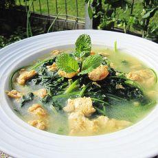 虾米鸡蛋煮艾叶汤